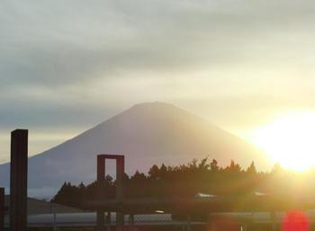 富士山と夕日.jpg